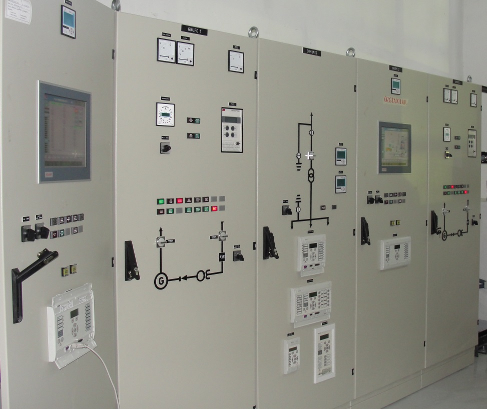 Armarios de control - Central hidroeléctrica Pedregalito, David, Panamá